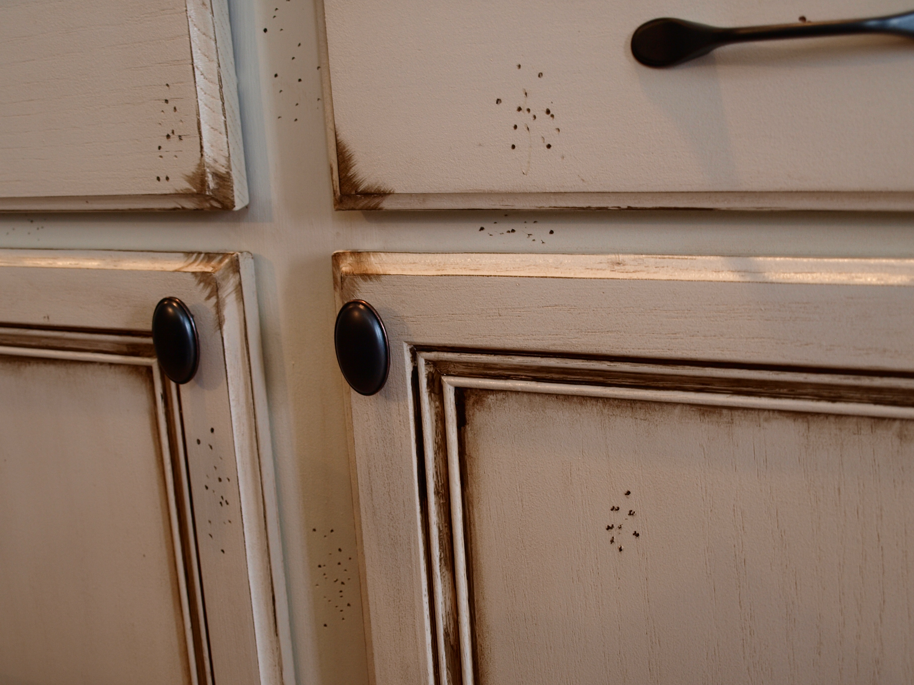 Staining oak cabinets dark brown for Staining kitchen cabinets